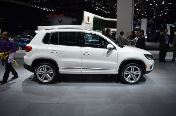 2014 Volkswagen Tiguan 2WD Side Images View 600x397 2014 Volkswagen Tiguan Full Review With Images
