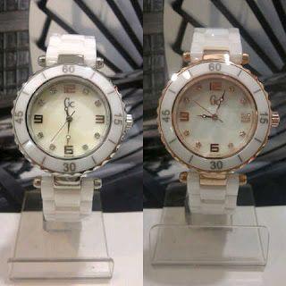 Jam Tangan Guess Collection Keramik White Harga : Rp 410.000,-  Spesifikasi : Tipe : jam tangan wanita Kualitas : kw super Diameter : 3,5cm Tali : rantai keramik  Pemesanan hubungi :  SMS 081929271117 Pin BB 270C3124