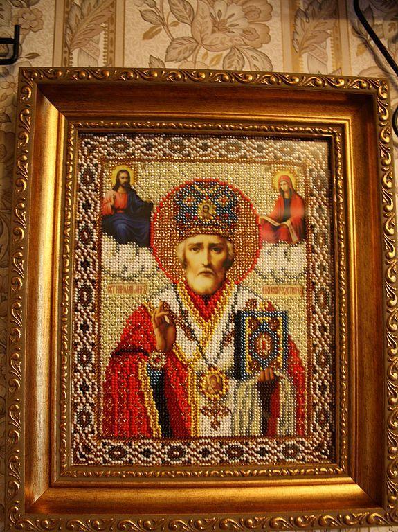 Вышитая бисером икона Святого Николая Чудотворца