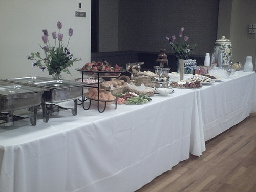 perfect buffet table set up