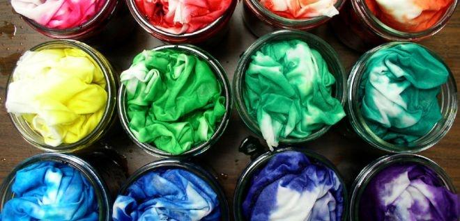 25 beste idee n over het verven van textiel op pinterest stof bedrukking bleekwater stropdas - Kleuren die zich vermengen met de blauwe ...