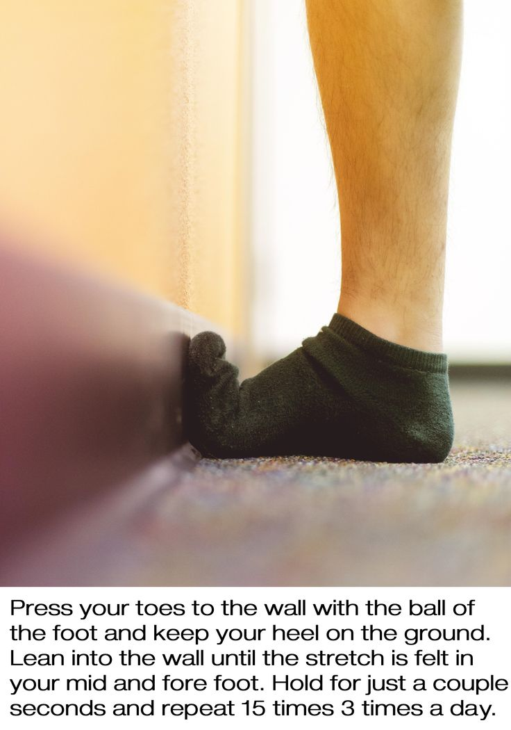 Plantar fasciitis toe stretch to relieve pain: Place toes against the wall with the ball of the foot & heel on the ground. Lean into the wall slowly until the stretch is felt. Hold for 30 seconds and repeat 3 times up to 3 times per day. Stretching several times daily is an important step in the healing process for people with plantar fasciitis. If you combine stretching with our insoles, you will be unstoppable! https://www.alignfootwear.com  #PlantarFasciitis #PlantarFascia #FootPain…