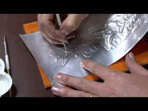 Mulher.com 09/03/2015 Aplique em latonagem para caderno por Elzeli França - YouTube