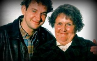 Keeping Mum - featuring Stephanie Cole (Doc Martin, Waiting for God, Miss Pettigrew Lives for a Day)