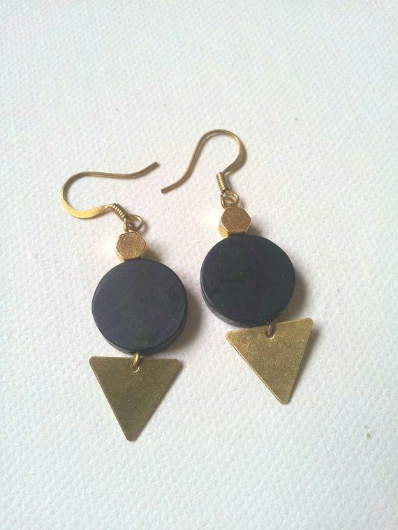boucles d'oreille perles noires par LaetiGrena sur Etsy, €22.00