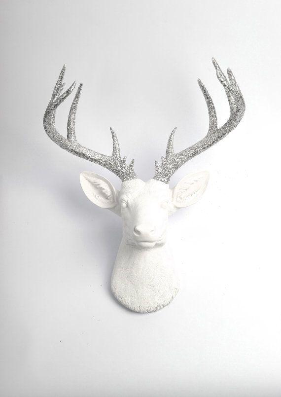 Testa di cervo faux - il Weston XL di tassidermia ecopelle bianco - testa di cervo in resina e argento Glitter Antlers - addio al celibato resina finto tassidermia moderna parete Art