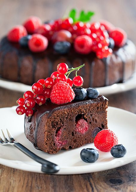 Chocolate Cake with berry by laperla2009