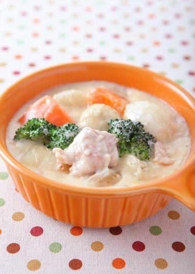 まっ白なホワイトソース作りに挑戦★具だくさんのホワイトシチューは栄養も満点!なが~く使える定番レシピです。