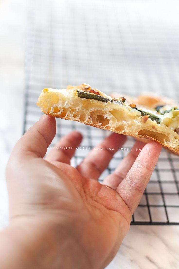 Pizza dans une casserole haute hydratation