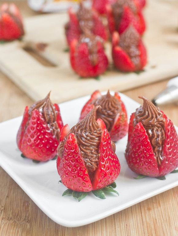 Nutella Cheesecake Strawberries