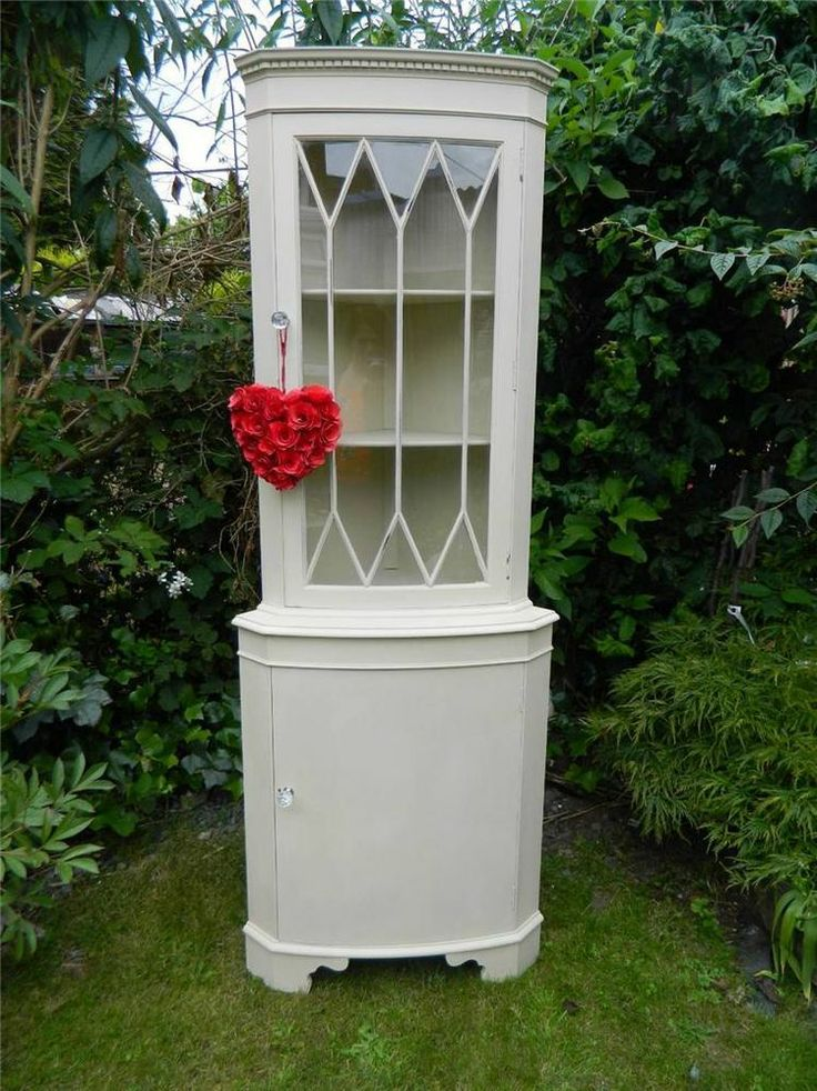 I've got the exact same unit at home but I painted it as a teenager and is a horrid FRIENDS lilac colour, I'm doing this when we get our house.