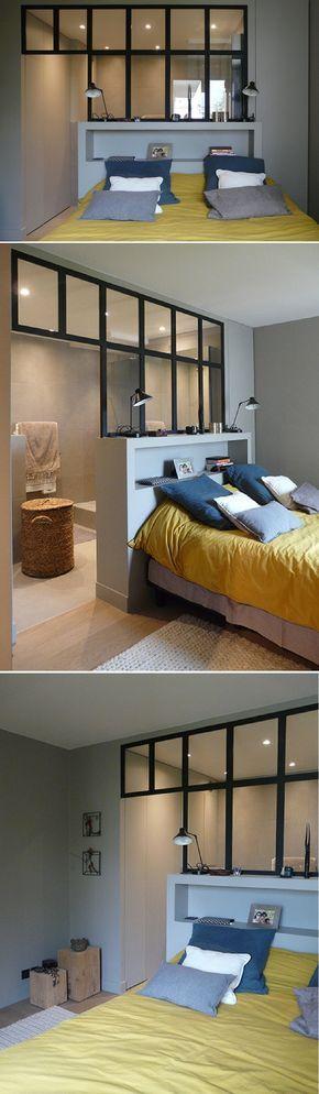 Une suite parentale avec une cloison atelier pour délimiter la douche ouverte http://www.homelisty.com/verriere-atelier-salle-de-bain/