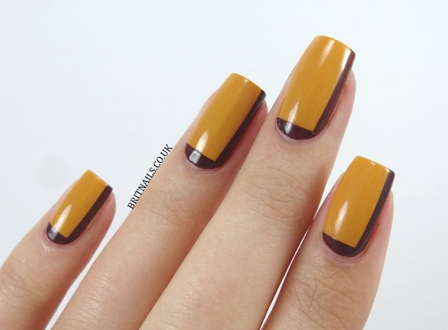 Retro border nails