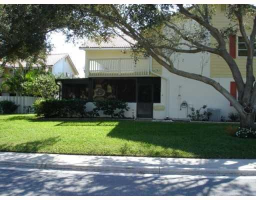 PRICE REDUCED to $1700 a month! Walk to the beach!  2/2 Townhouse for rent in Jupiter. http://www.listingsmagic.com/flash/tour_hd.php?property_ID=140601&noredirect=Y