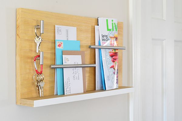This sleek wall mail organizer and key holder looks awesome. And it's so easy to make! Just follow our simple step-by-step instructions.