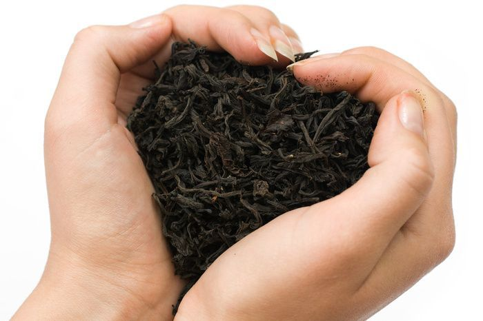 black tea-helps combat stroke, promotes healthy arteries and increased blood flow due to antioxidants called falconoids, which give tea its flavor. Cholesterol levels drop as tea consumption increases. Tea is reported to reduce the risk of cancer, yield fresher breath and fewer cavities, and help build bones. It also contains approximately half the caffeine of coffee, and is a rich source of vitamins and minerals.