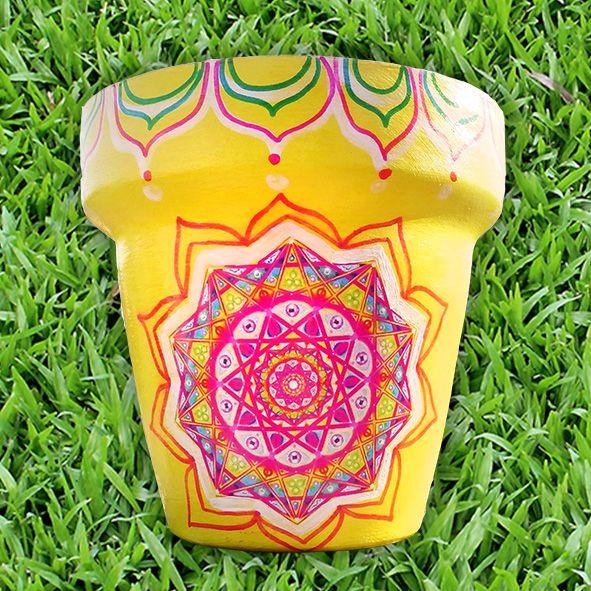 Maceta Mandala OM N°18, en https://ofeliafeliz.com.ar  #macetaspintadas #mandala #yoga