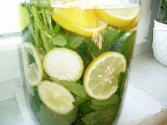 Zitronen - Melissen - Sirup