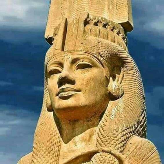 Colossal Meritamen statue, Akhmim, #Egypt.