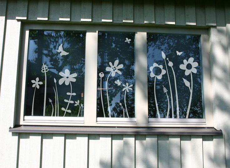 Fenstertattoo Motiv 'Blümchenwiese' von LOVALA - schöne Aussichten  auf DaWanda.com