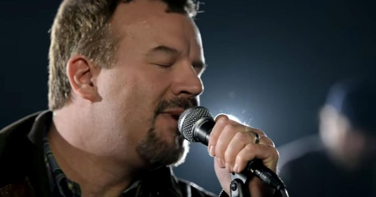 Casting Crowns Reminds Us To Remain Faithful In 'Praise You in this Storm' - Christian Music Videos