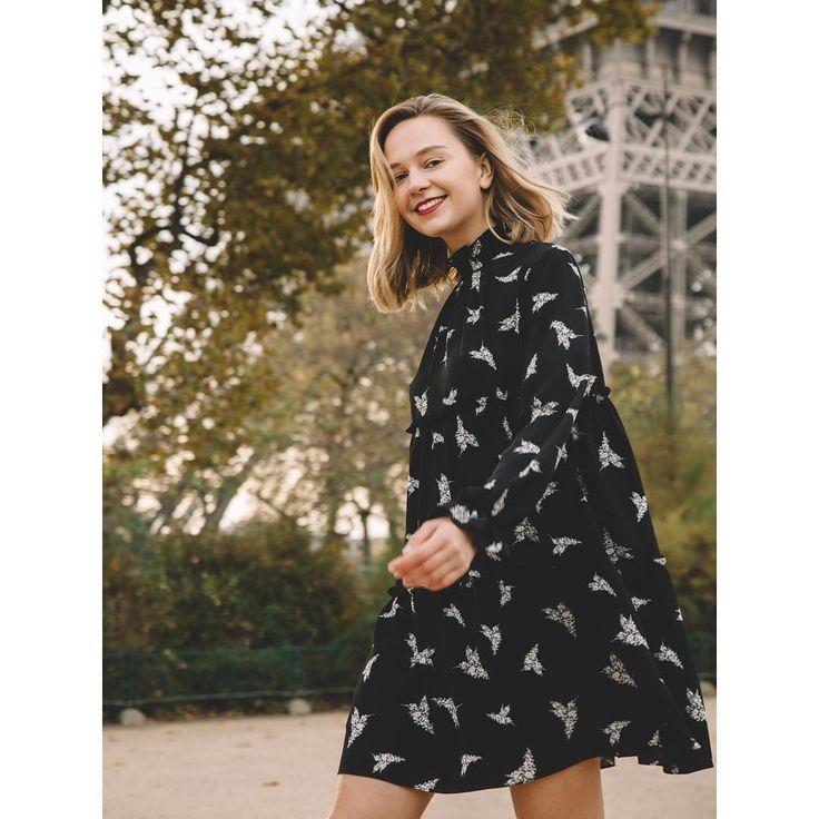 Короткое платье в принт «колибри» от Jana Segetti #janasegetti #fashion #style #design #dress #paris