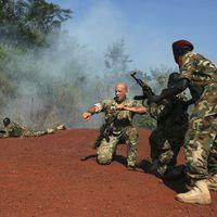 Casie Copeland, consultante chargée du Soudan du Sud, Le Monde, 20 décembre 2013 : « Le Soudan du Sud est au bord de la guerre civile »