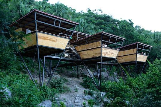 Sitting among the canopy of a jungle forest near Yelapa, Mexico, these V-Houses by Heinz Legler are quite possibly an eco-adventurer's parad...