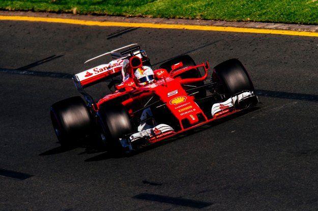 Vettel wygrywa w Australii https://www.moj-samochod.pl/Sporty-motoryzacyjne/Sebastain-Vettel-zwyciezca-pierwszego-wyscigu-nowego-sezonu-F1 #GPAustralie #F1