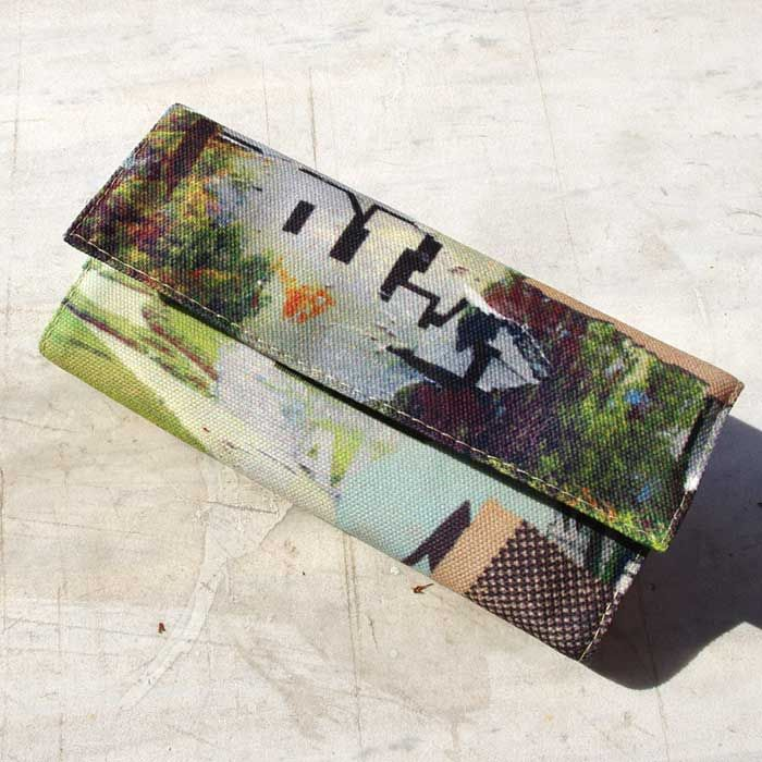 """Tobacco pouch """"Holidays in the woods"""" Size: 21.5 x 16 cm open / 16 x 8 cm closed Features: Special case for the tobacco packaging. Special case for the rolling papers. Adhesive closure compartment."""