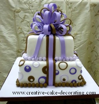 Tutorial on how to make a loop bow out of fondant