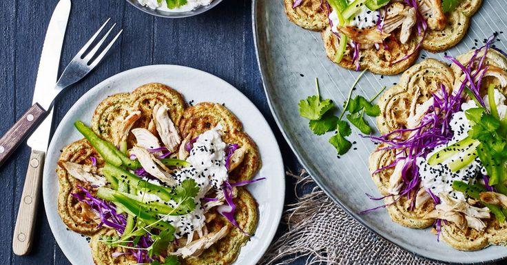 Broccolivafler med pulled, grillet kylling - Opskrifter - Arla