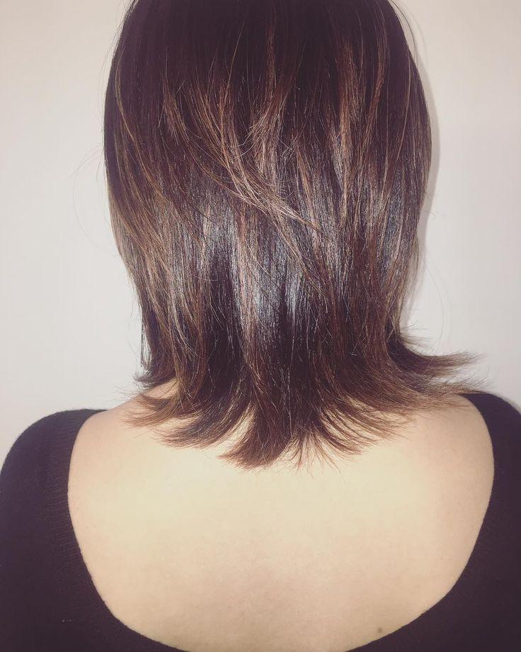 Back shot📸⚡️ ・ ・ レイヤーカットにハイライト ・ ・ 相性バッツリ👌✨ ・ ・ #ヘアスタイル#ヘアカット#レイヤーカット#ウルフカット#ヘアカラー#ハイライト#ラベンダーピンク#ほんのり#秋色#おすすめ#大阪#梅田#美容師#写真好き#backshot#hairstyle#mediumhair#Layercut#haircolor#highlight#lavender#pink#autumnstyle#lovephoto #osaka#japan#hairdresser #eminobeoka