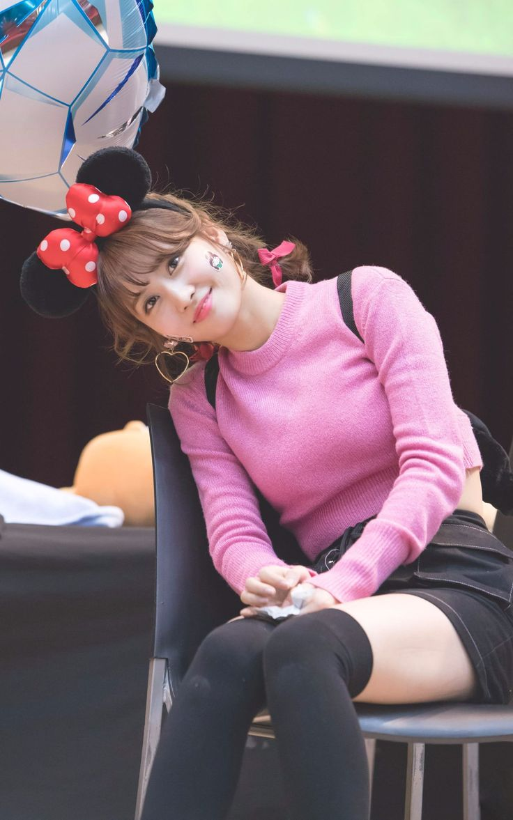 The girl with many expression #Twice #Momo : twicetagram fansign @Mokdong