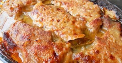 Úžasný a chutný obed urobíte len v jednom pekáči. Tento recept vám ušetrí čas!