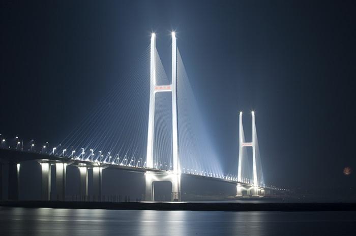 Jingyue Bridge, Jingzhou, China.