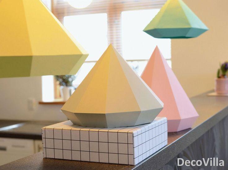 Lav selv dine egne lampeskærme i papir. Download skabelonerne nedenfor. Templates: 6 kantet (Mintgrøn) 8 kantet (Gul) 10 kantet (Grå) Alle skabelon...
