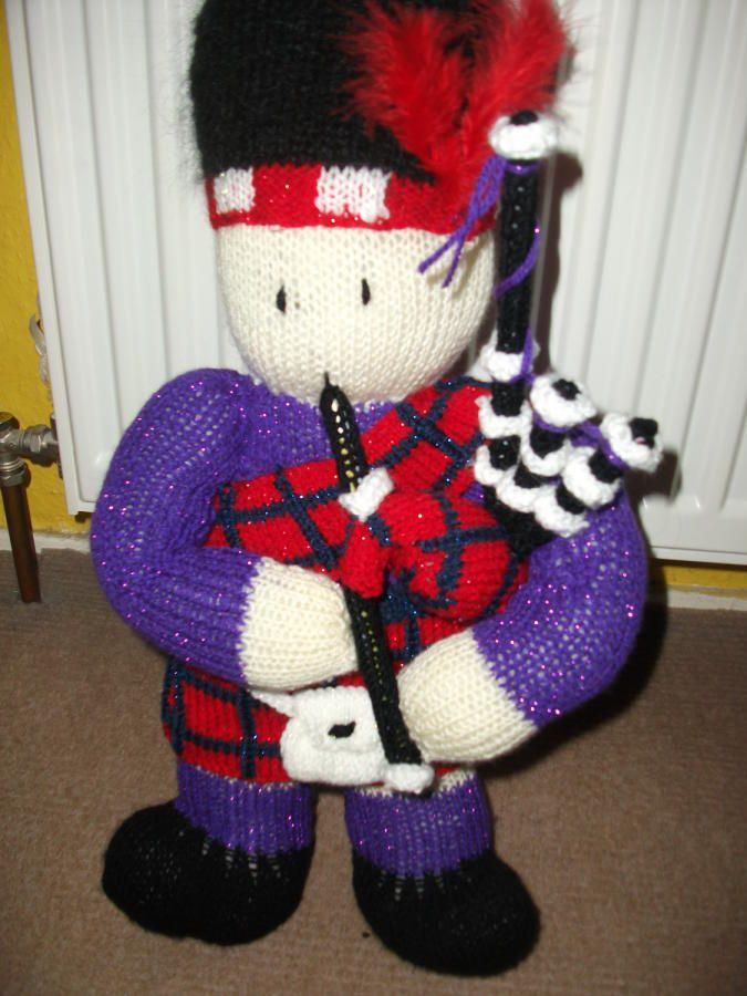 knitted piper - Knitting creation by tartan | Knit.Community