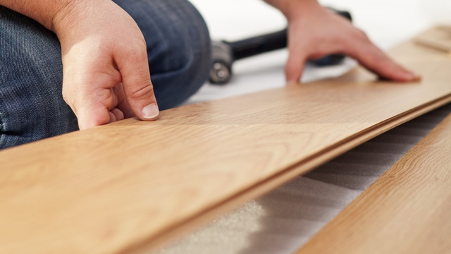 how to install wood flooring for cheap while avoiding common mistakes...can't wait to try!