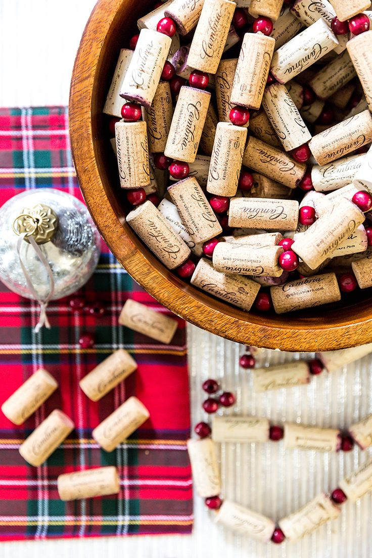Best 25+ Cork garland ideas on Pinterest | Cork tree, Decorating ...