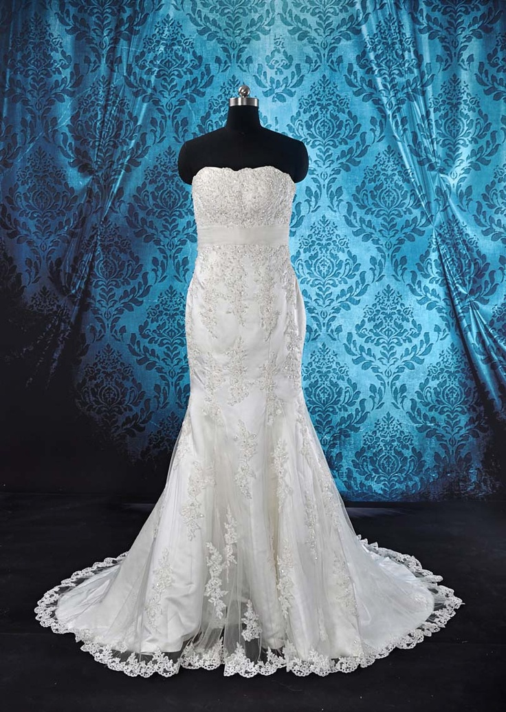 Strapless White Lace Wedding Dress with Mermaid Silhouette www.ivoryprincessbridal.com.au