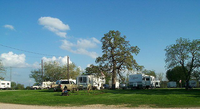 Sonnys RV Park At Lexington TX