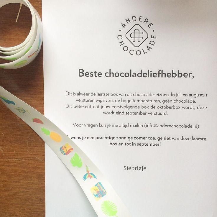 Toch wel een beetje bitterzoet dat vandaag voorlopig de laatste box van de #chocoladeverzekering de deur uit gaat.. Gelukkig had ik nog een paar zomerse stickers liggen om het nieuws iets vrolijker te brengen!  (ohja en het feit dat de leden 4 súúper zomerse repen in het doosje vinden helpt denk ik ook mee ) #chocolade #zomer #box #laatste #chocola #cadeau #stickers #vreugde #anderechocolade #chocoladeverzekering