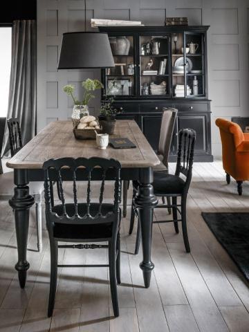 Un vaisselier noir pour une salle à manger baroque - Un vaisselier dans ma salle à manger