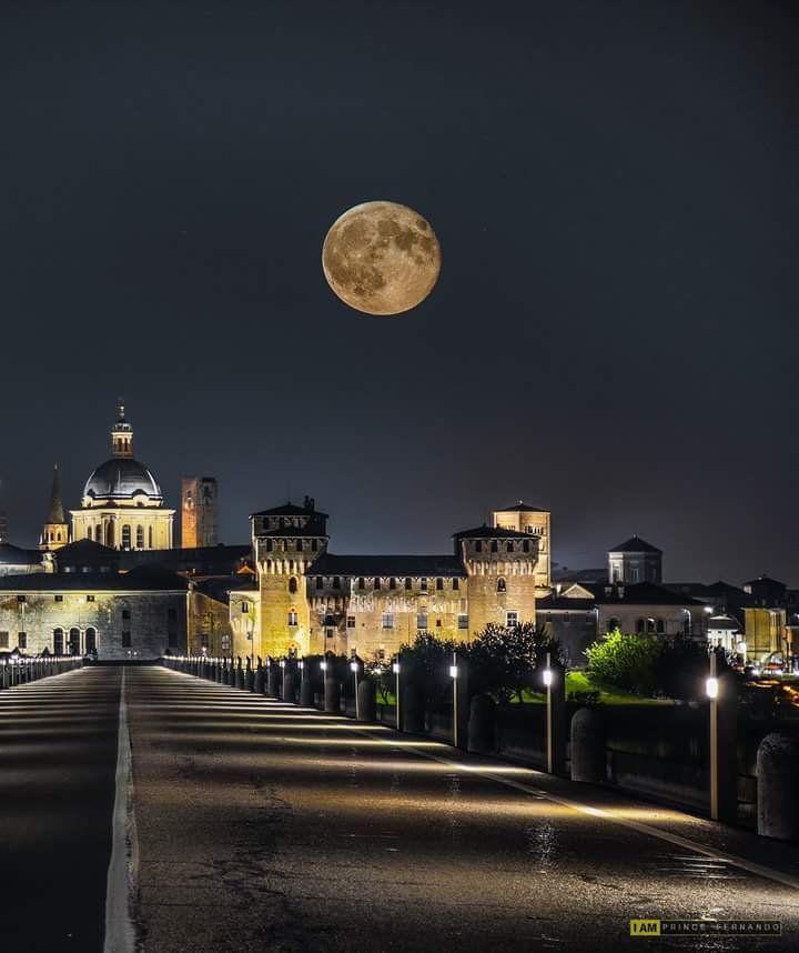 Mantova in the night