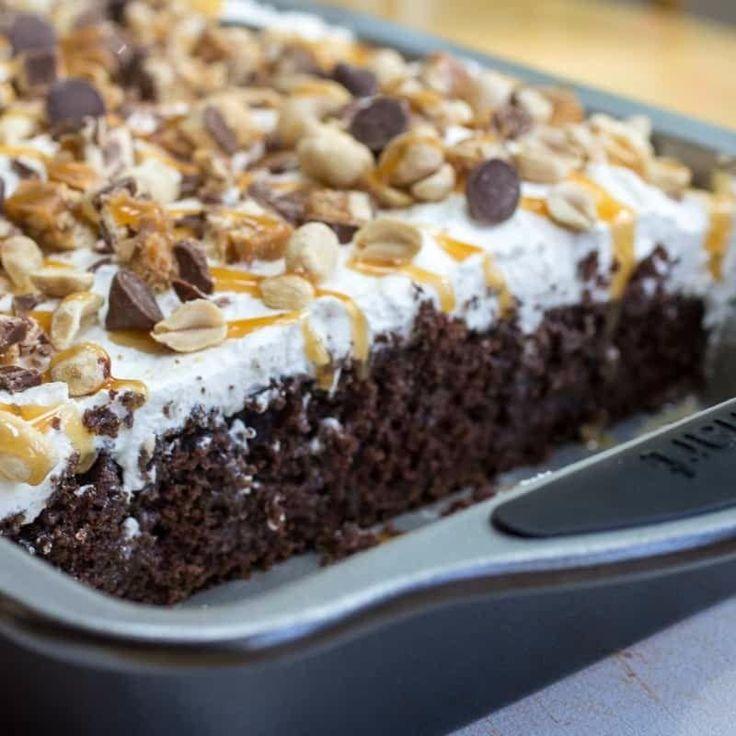 Homemade Snickers Cake Recipe with Peanuts Caramel and Chocolate | RecipeLion.com