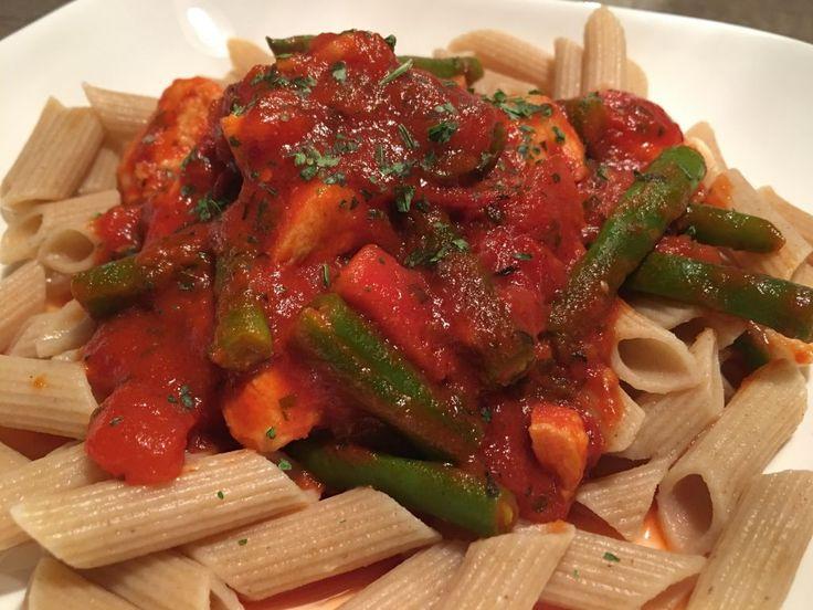 Toscaanse saus met kip en pasta