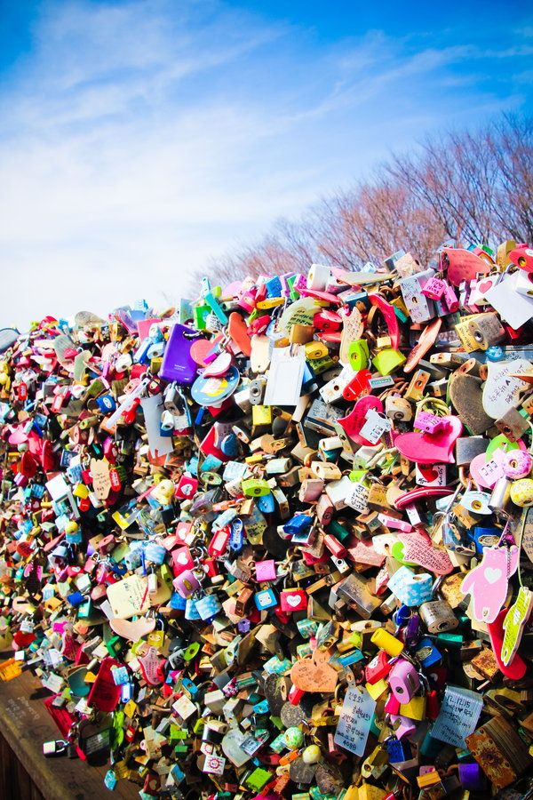 """Key Tower, Seoul, South Korea - They say that when you and your lover lock in your love padlocks here at the fence, you""""ll never be apart. Matry nga! :)"""