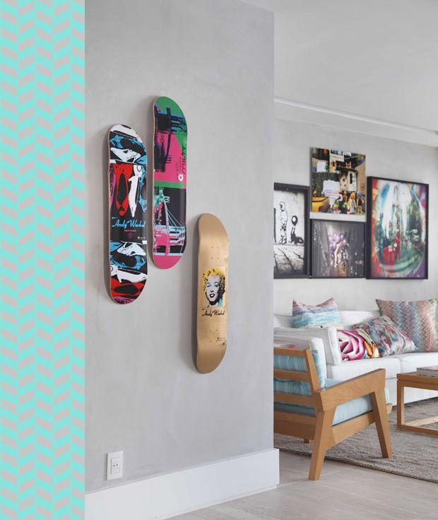 Dê um toque descolado no corredor, hall, cantinho na sala, usando #cores e shapes de skate!