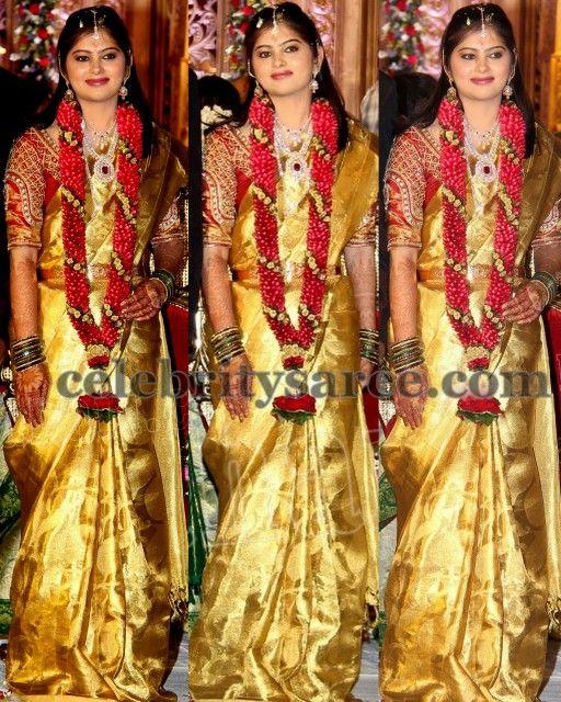 8577e2a9918a2 Mahita Gold Bridal Saree